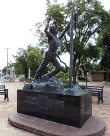 Miners Memorial Statue - SA Accommodation