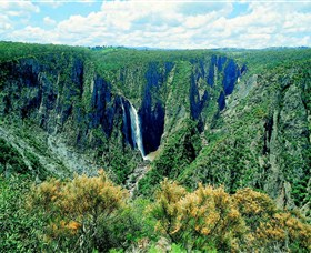 Wollomombi Falls - SA Accommodation