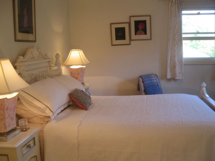 Trafalgar Bed and Breakfast and Annie's cottage - SA Accommodation