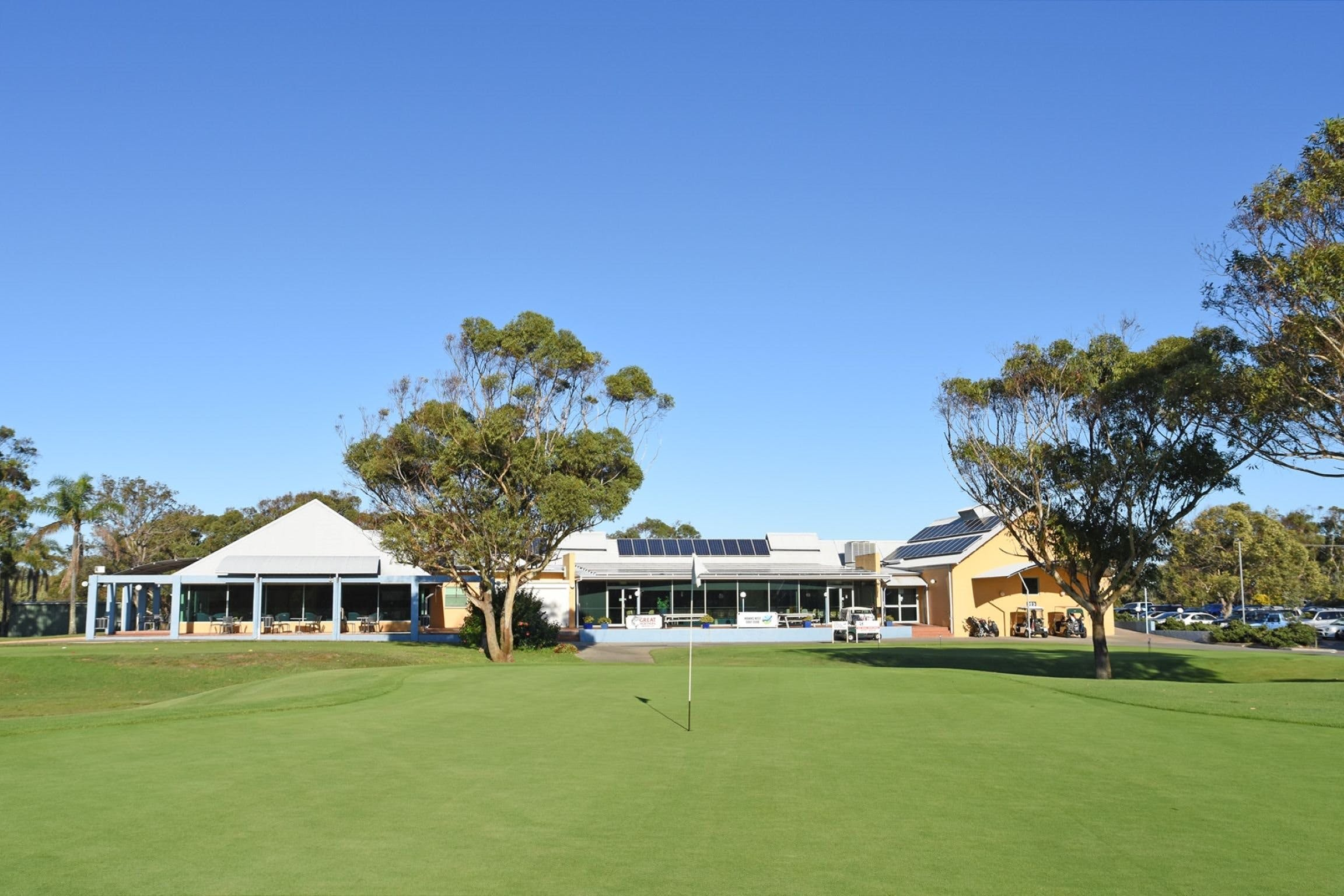 Hawks Nest Golf Club - SA Accommodation