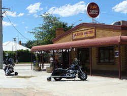 Albion Hotel Swifts Creek - SA Accommodation