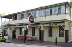 Commercial Hotel Alexandra - SA Accommodation