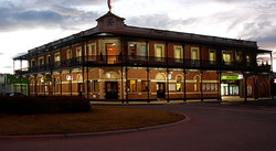 The Grand Terminus Hotel - SA Accommodation