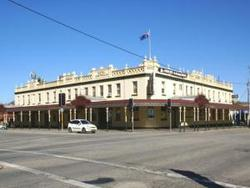 Soden's Australia Hotel - SA Accommodation