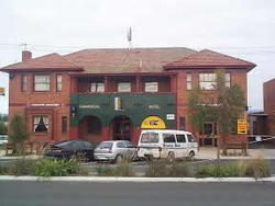 Commercial Hotel Hayfield - SA Accommodation