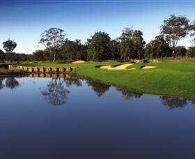 Kooindah Waters Golf Club - SA Accommodation