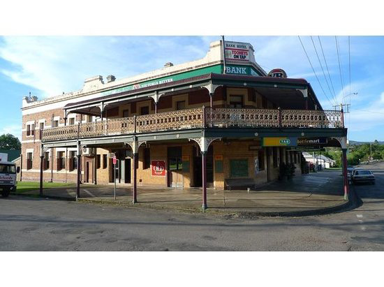 Bank Hotel Dungog - SA Accommodation