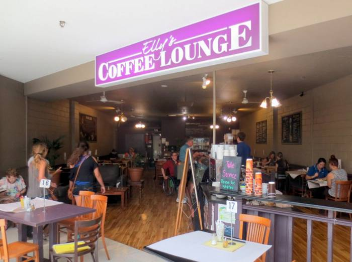 Ellys Coffee Lounge - SA Accommodation
