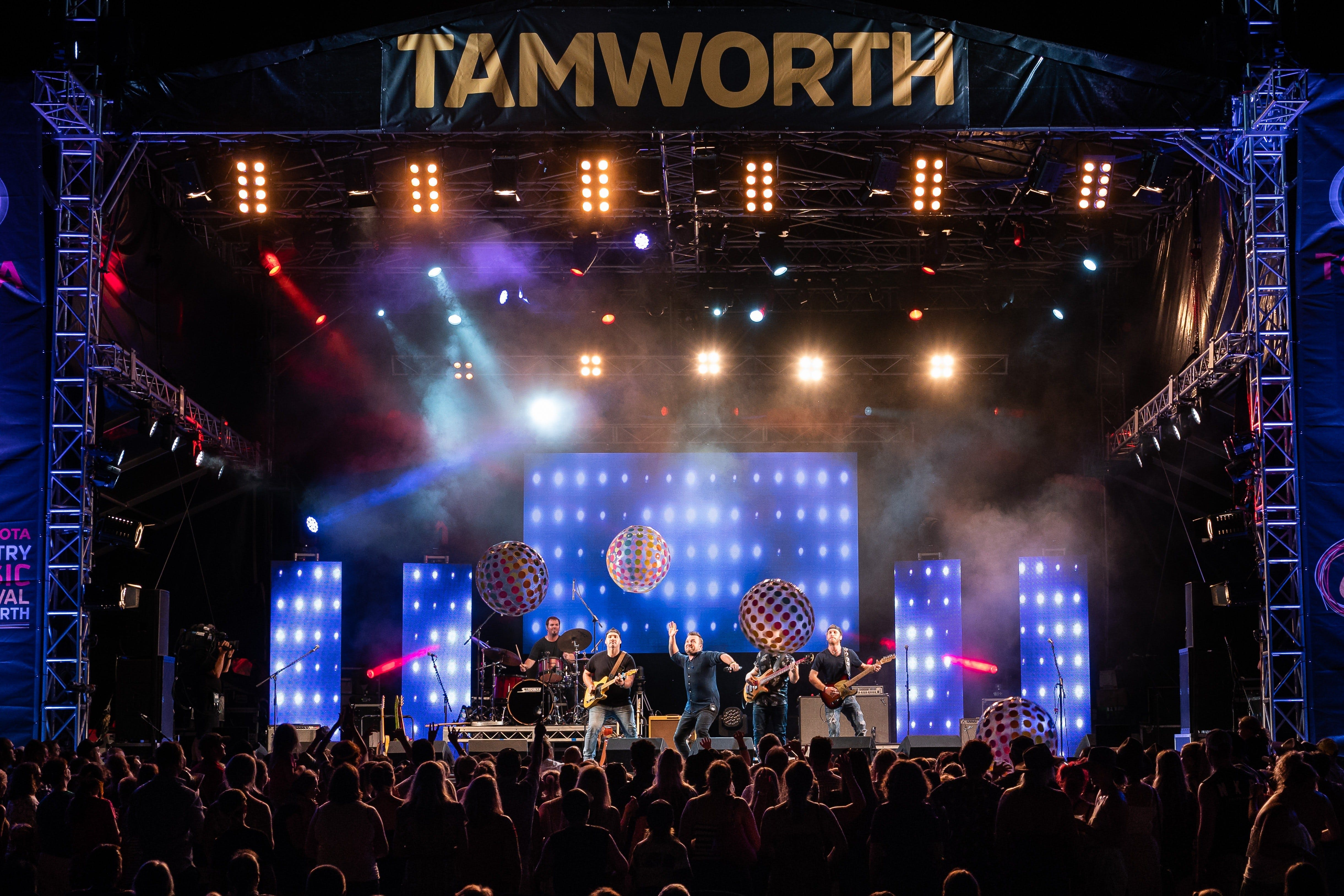 Toyota Country Music Festival Tamworth - SA Accommodation