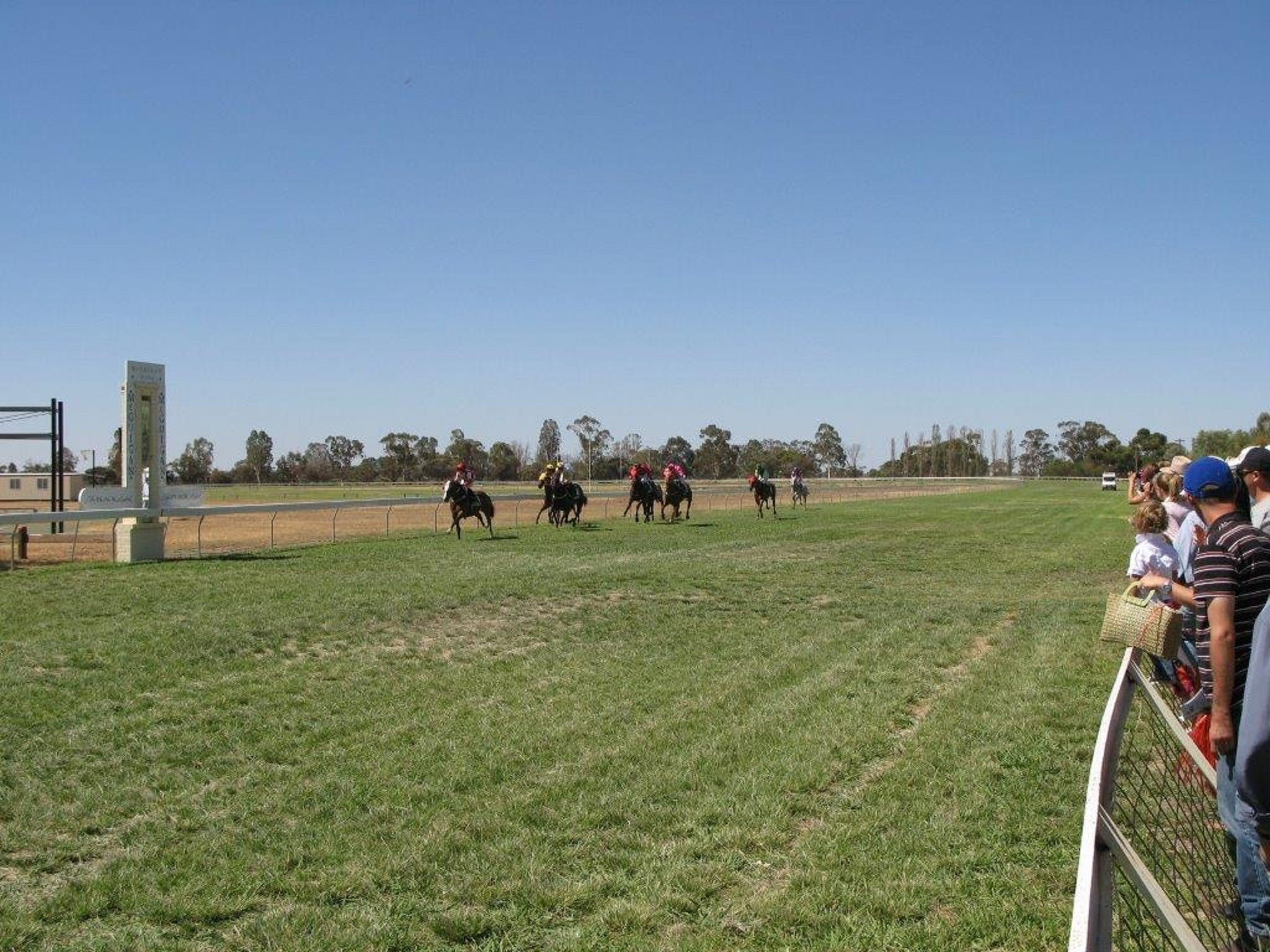 Balranald Races -Derby Day - SA Accommodation