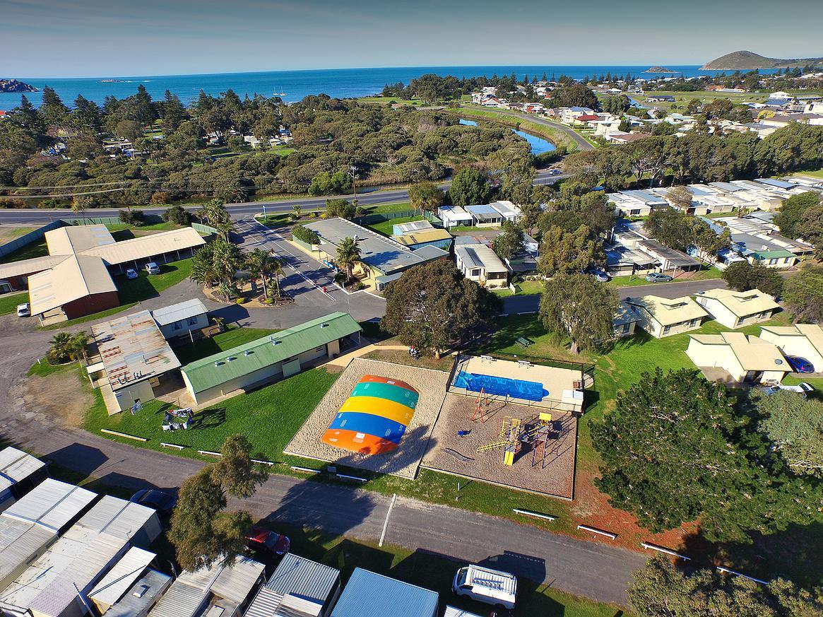 Victor Harbor Holiday  Cabin Park - SA Accommodation