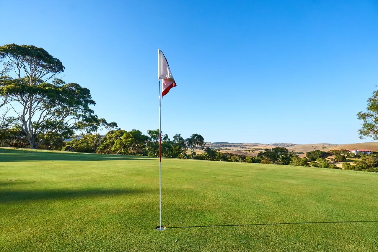 New Terry Hotel  Golf Resort - SA Accommodation