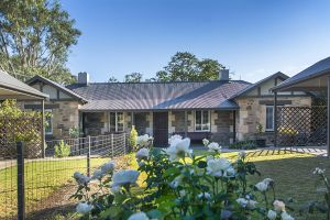Stoneleigh Cottage Bed and Breakfast - SA Accommodation