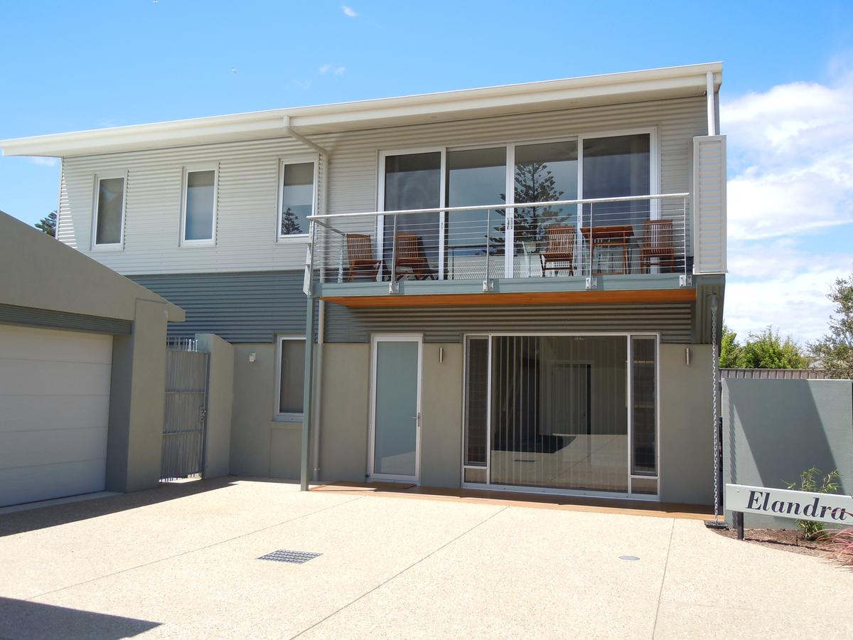 Elandra Holiday Home - SA Accommodation