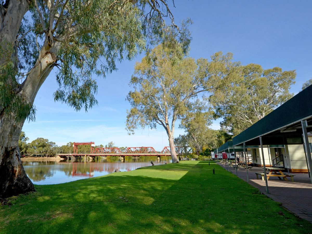 Riverbend Caravan Park Renmark - SA Accommodation