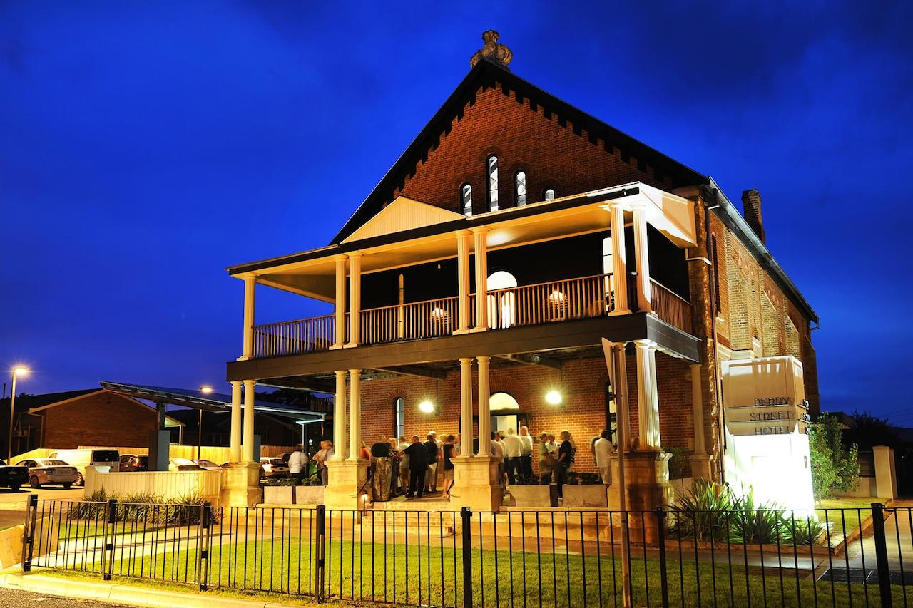 Perry Street Hotel - SA Accommodation