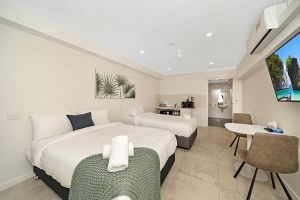Carlton Suites - SA Accommodation