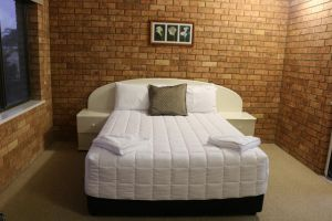 Golden Sands Motor Inn - SA Accommodation