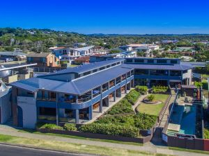 Lennox Holiday Apartments - SA Accommodation
