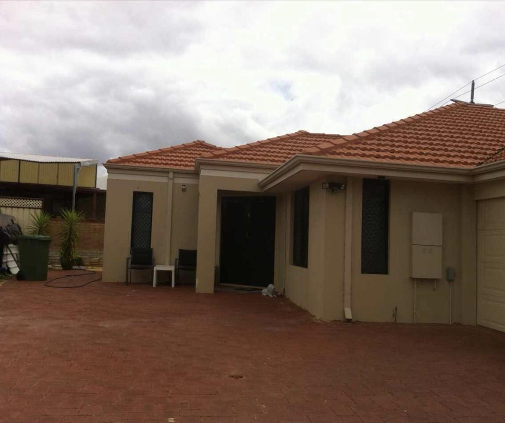 House close to airport - SA Accommodation